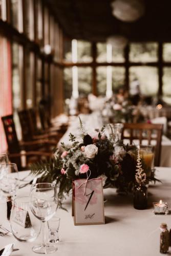 ozdoby na stoły weselene